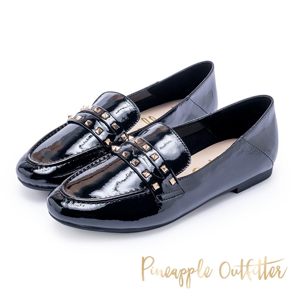 Pineapple Outfitter 英倫龐克 鉚釘亮皮牛津平底鞋-黑色
