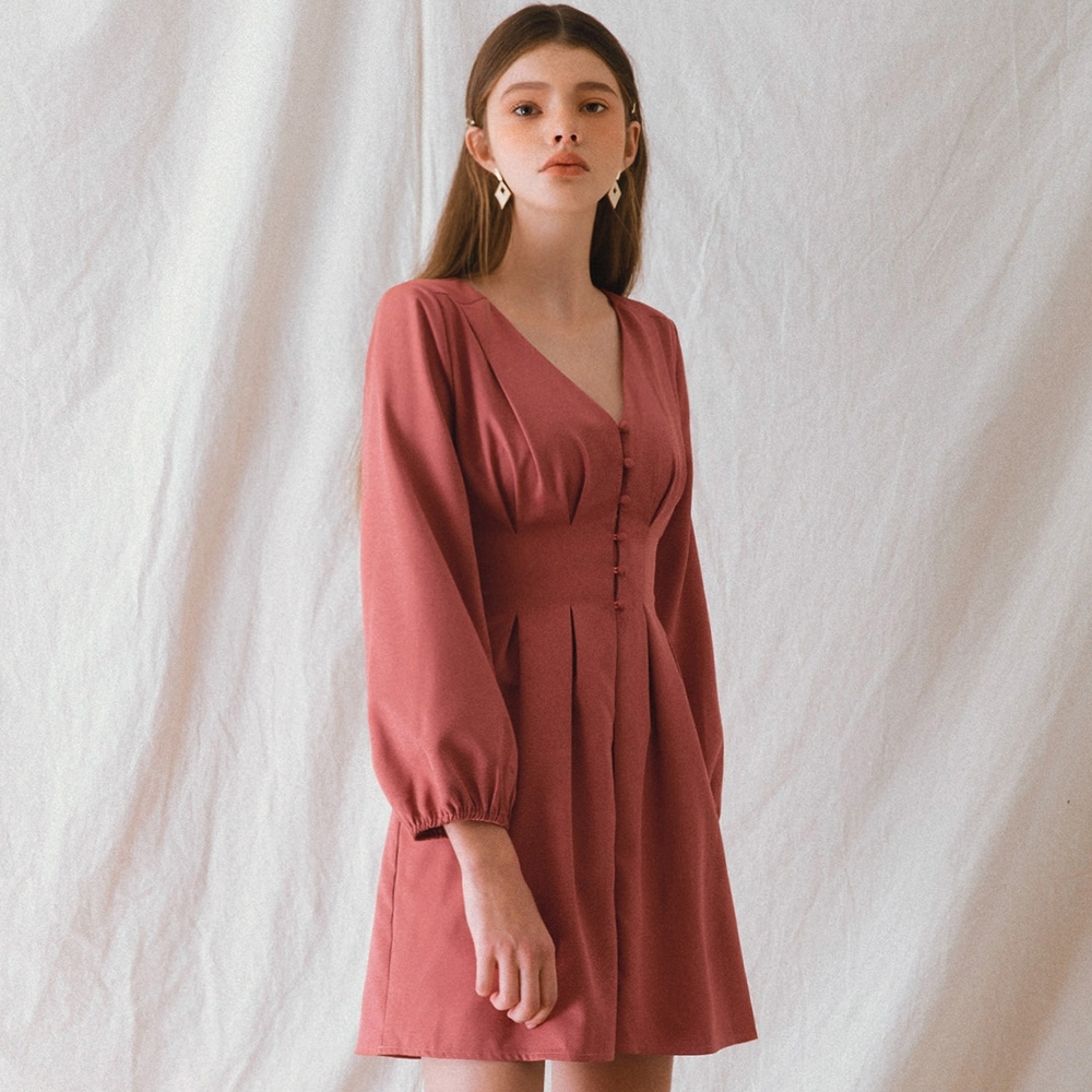 AIR SPACE LADY V領澎袖包釦短洋裝(磚紅)