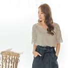東京著衣-YOCO 氣質甜心V領鏤空蕾絲拼接袖上衣-S.M.L
