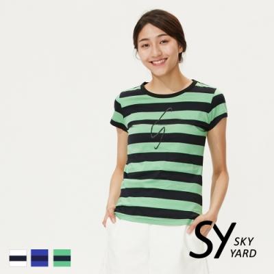 【SKY YARD 天空花園】休閒百搭圓領條紋文字印圖造型上衣-綠色