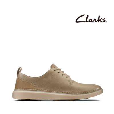 Clarks 步步清新 簡約復古精緻縫線設計休閒女鞋 砂岩色