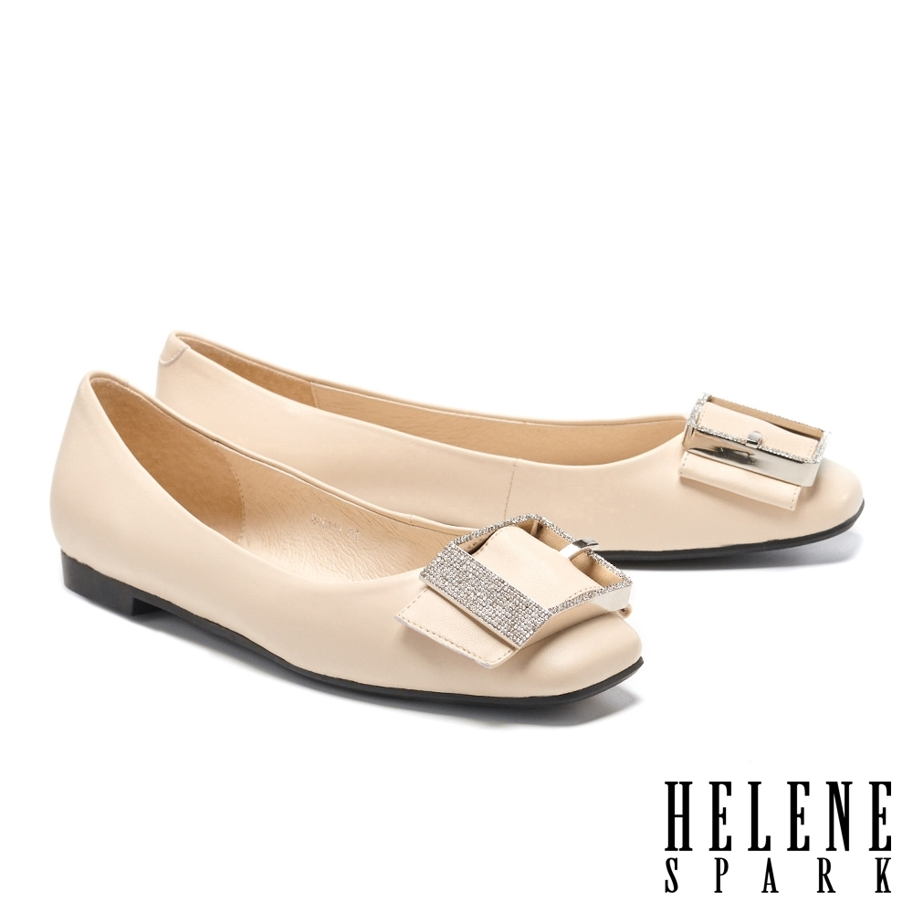 平底鞋 HELENE SPARK 輕熟典雅白鑽方飾釦全真皮平底鞋-米
