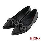 BESO 清甜女孩 蝴蝶結內增高尖頭鞋~黑