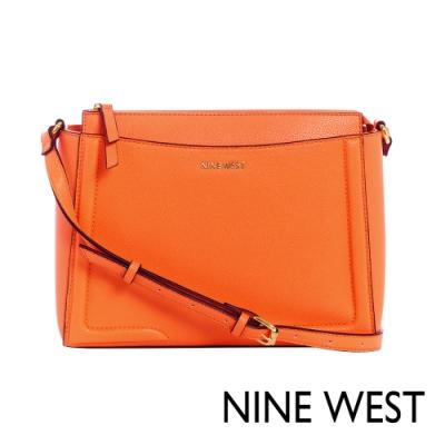 NINE WEST SHAYDEN梯型斜背包-亮橘色(117270)