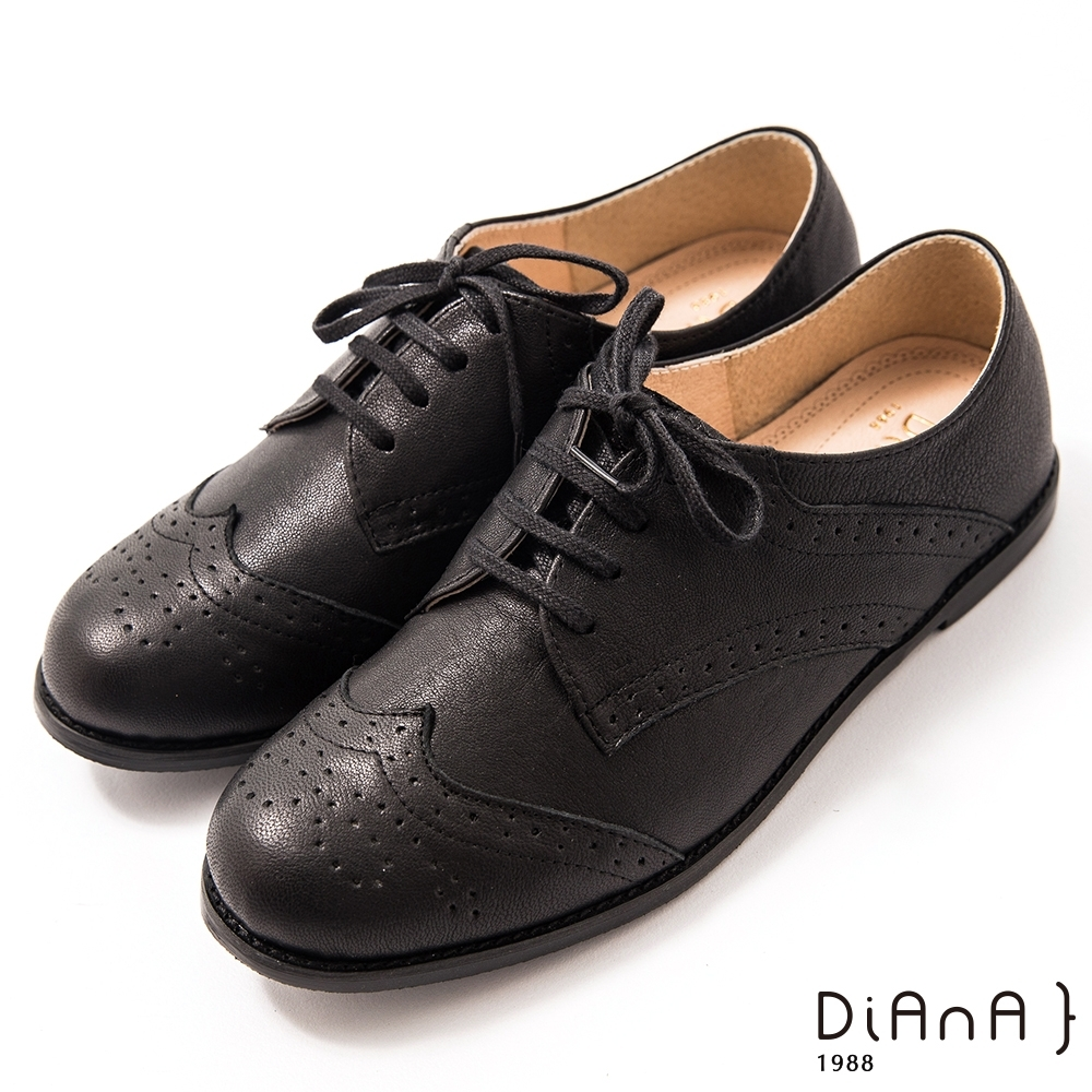 DIANA 1.5cm 擦色牛皮雕花低跟綁帶牛津鞋–漫步雲端焦糖美人–黑