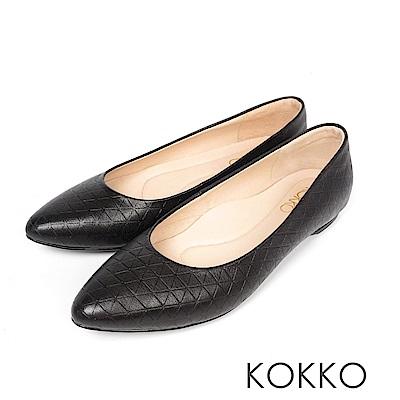 KOKKO - 經典彎折尖頭菱格壓紋羊皮平底鞋 - 實搭黑