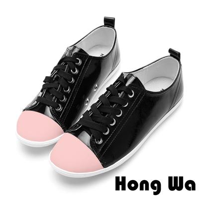 Hong Wa休閒俏皮鏡面漆皮綁帶便鞋-獨特黑