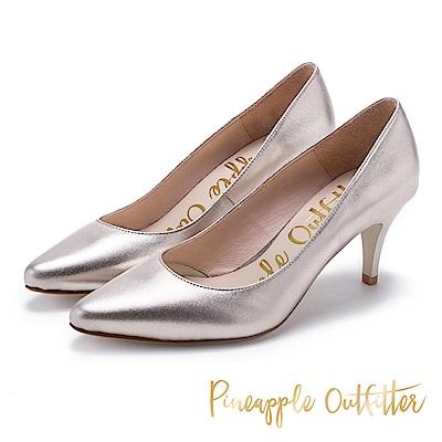 Pineapple Outfitter 簡約風尚 素面尖頭中跟鞋-金色
