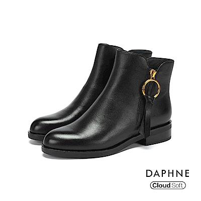 達芙妮DAPHNE 短靴-牛皮金屬環雲軟鞋底粗跟短靴-黑