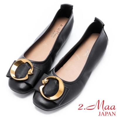 2.Maa 簡約柔軟牛皮飾扣平底包鞋 - 黑