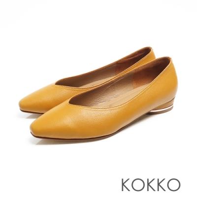 KOKKO -素面小方頭羊皮V口圓跟鞋 - 乳酪黃色