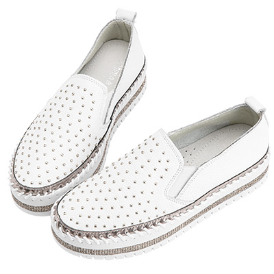 Robinlo & Co.個性滿版鉚釘牛皮厚底休閒鞋 白