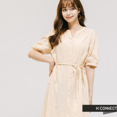 H:CONNECT 韓國品牌 女裝 -腰間綁帶排扣洋裝-卡其色