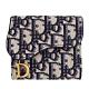 [限量包裝]DIOR 老花 復古金屬 三摺短夾 (藍色) Saddle Oblique Lotus Wallet product thumbnail 1