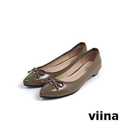 viina Basic鏡面綁帶蝴蝶結低跟鞋 - 咖啡