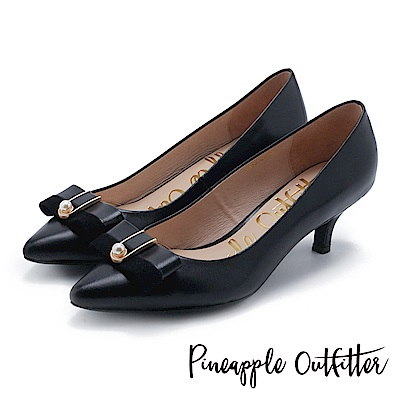 Pineapple Outfitter 氣質女伶 珍珠蝴蝶結釦飾尖頭中跟鞋-黑色