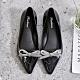韓國KW美鞋館-雅緻摩登亮眼尖頭鞋-黑色