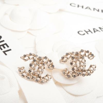 CHANEL 經典CC LOGO點綴水鑽不規則造型大款穿式耳環 (金色)