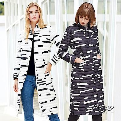 OUWEY歐薇 時尚幾何立領長版羽絨外套(黑/白)