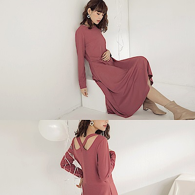 純色後交叉修身針織長袖長洋裝-OB大尺碼