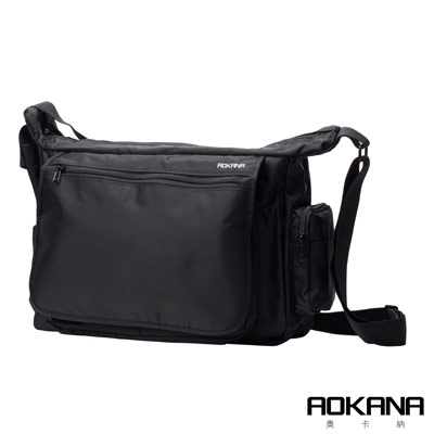 AOKANA MIT台灣製造 YKK拉鍊 時尚防潑水橫式簡約側背包(時尚黑)02-025