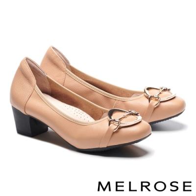 低跟鞋 MELROSE 復古時尚金屬飾釦蜥蜴紋全真皮低跟鞋-杏