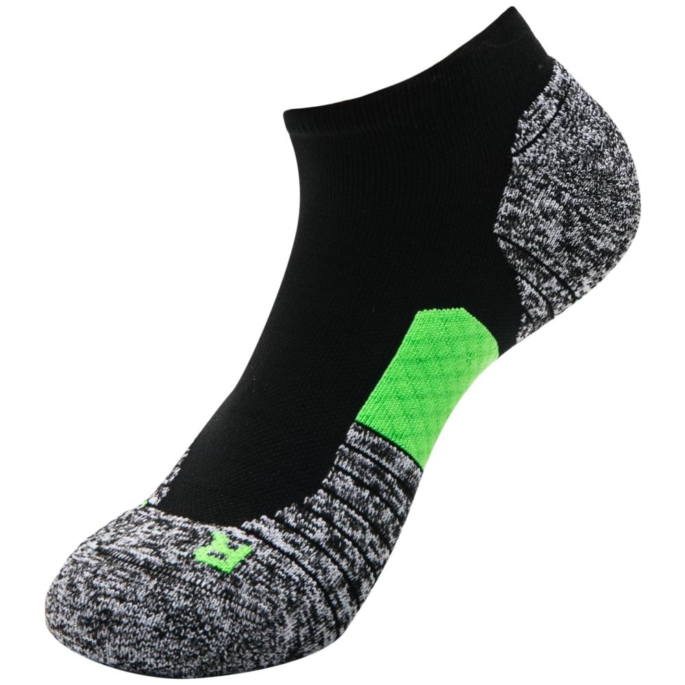 UNDER ARMOUR中性短襪