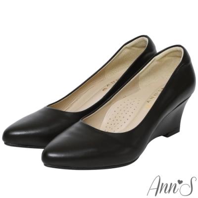 Ann'S通勤魅力-精品小羊皮楔型坡跟尖頭包鞋-黑