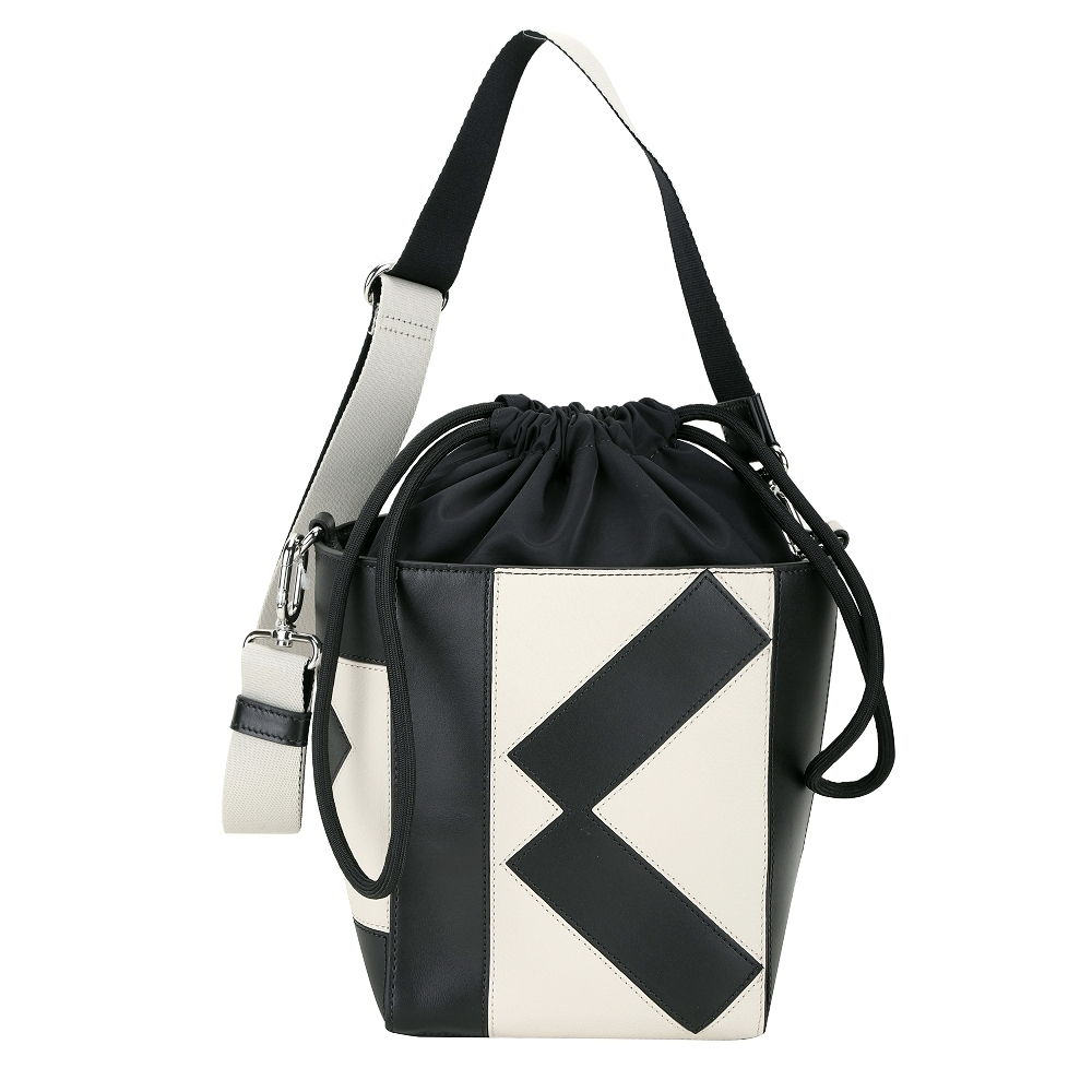 KENZO Kube 幾何線條小牛皮束口斜背水桶包(米黑色)