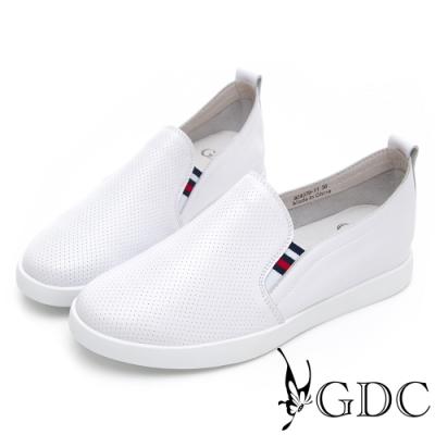 GDC-真皮舒適質感素色基本沖孔休閒鞋-白色