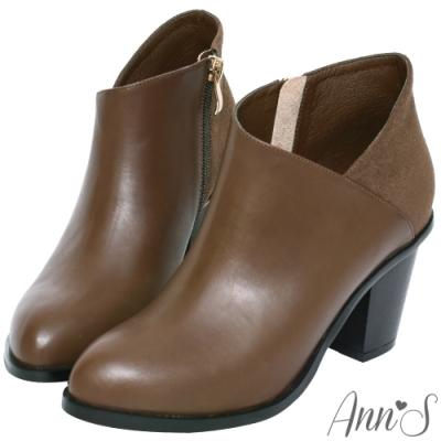 Ann'S一樣很瘦-側V異材質拼接美型粗跟短靴-咖啡