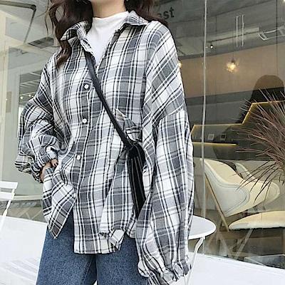 La Belleza格子毛料燈籠袖縮袖寬鬆排釦格紋襯衫