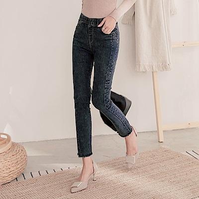 全鬆緊腰頭剪接設計褲腳不對稱抽鬚牛仔長褲-OB大尺碼
