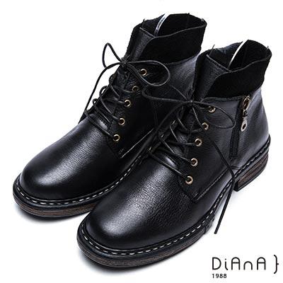 DIANA 復古英倫-英挺牛皮x麂皮異材質拼接綁帶短靴-黑