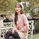 氣質花朵刺繡純色細針織拋袖上衣-OB大尺碼