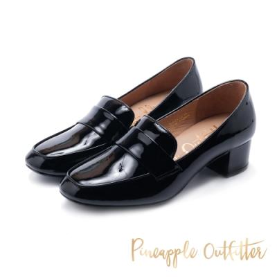 Pineapple Outfitter-MAGAN 都會簡約風方頭真皮中跟鞋-鏡黑色