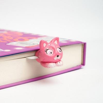 烏克蘭myBookmark-探頭的粉紅小貓