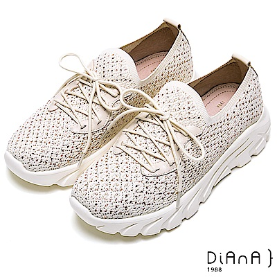 DIANA輕量樂活鑽飾綁帶老爹鞋-漫步雲端厚切焦糖美人-米