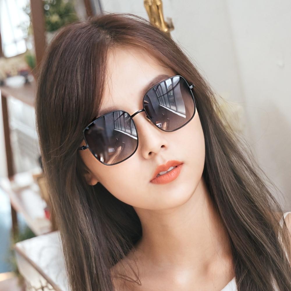 ALEGANT韓系超人氣灰水藍微方黑細框偏光墨鏡│UV400太陽眼鏡│ 聖馬可的鐘樓奇遇