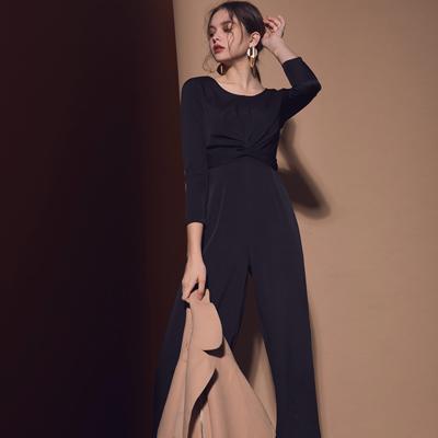 AIR SPACE LADY 扭結設計素色圓領連身褲(黑)