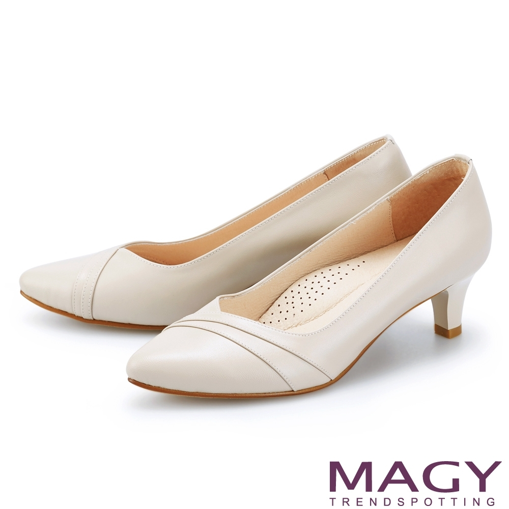 MAGY 真皮親膚舒適尖頭 女 中跟鞋 杏色