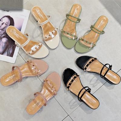 KEITH-WILL時尚鞋館激推百搭鉚釘韓流個性涼跟鞋