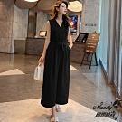 Mandy國際時尚  V領無袖高腰寬鬆九分連身長褲(2色)
