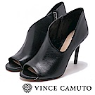 VINCE CAMUTO 橫側V字切口細跟真皮短靴-黑色