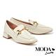 低跟鞋 MODA Luxury 復古馬銜釦壓紋牛皮樂福粗低跟鞋-米白 product thumbnail 1