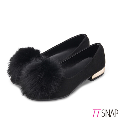 TTSNAP娃娃鞋-溫暖大毛球絨面平底低跟鞋 黑