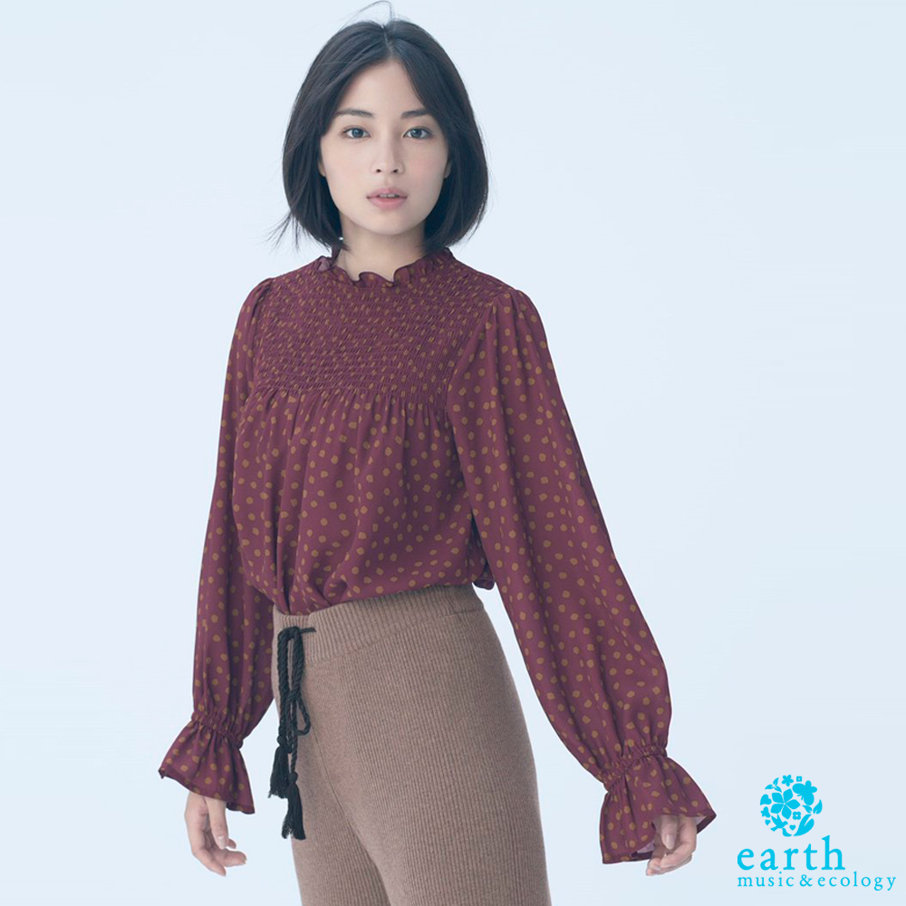 earth music 廣瀨鈴企劃款-大麥町紋荷葉摺邊領喇叭袖點點上衣
