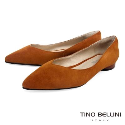 Tino Bellini 純色羊麂皮好穿尖頭低跟娃娃鞋_棕