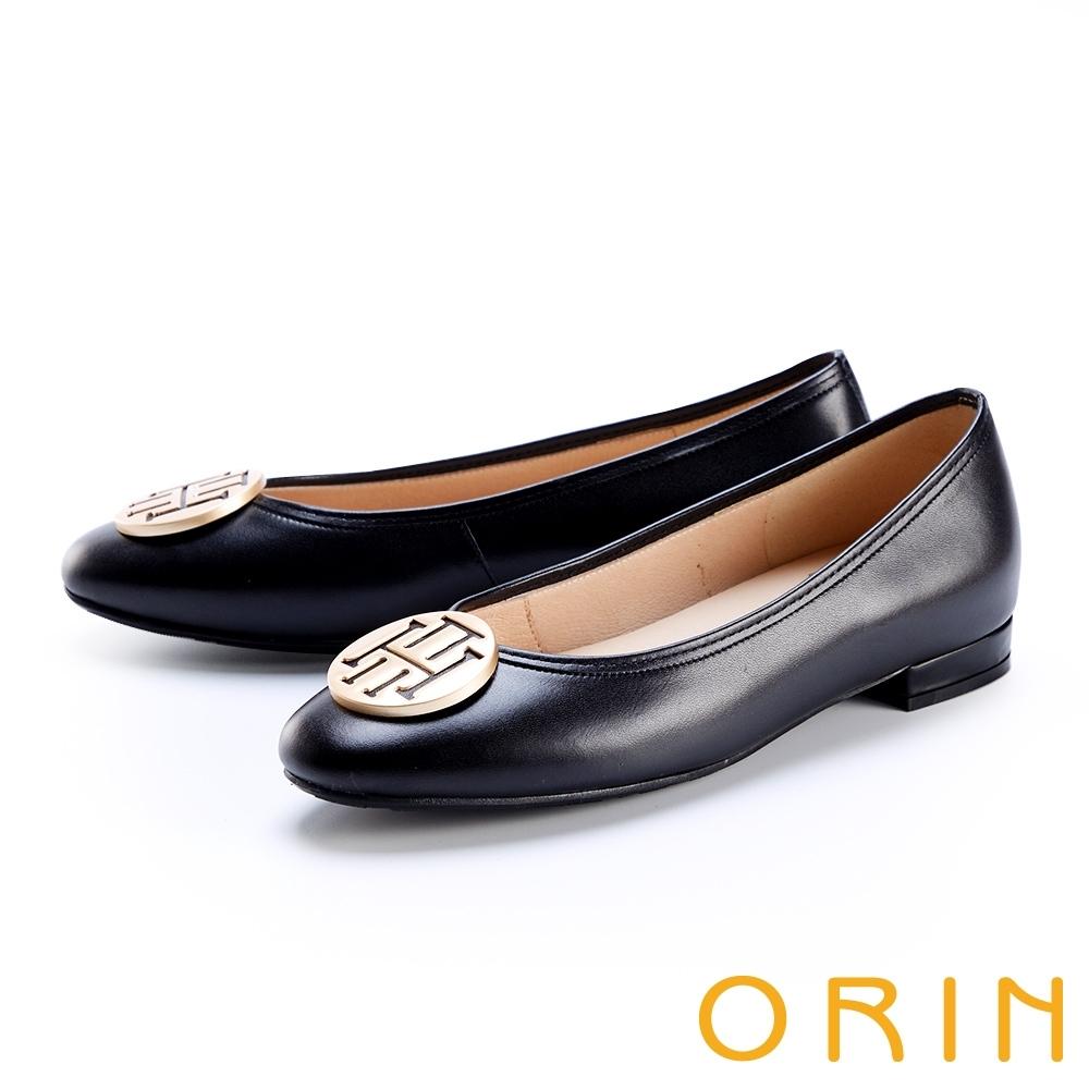 ORIN 金屬面飾小圓頭真皮 女 平底鞋 黑色