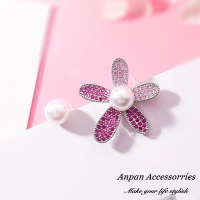 【Anpan 愛扮】韓東大門ins珍珠漸層粉鑽不對稱花朵925銀針耳釘式耳環